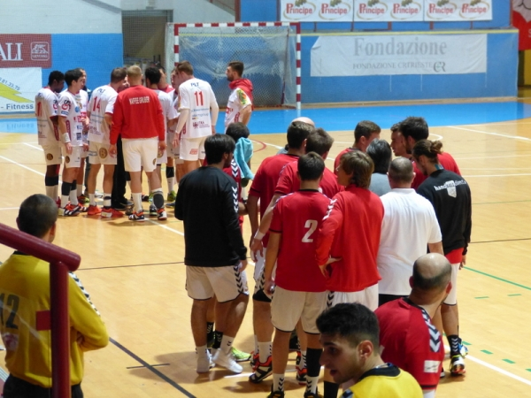 Le due squadre durante un time-out
